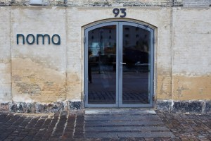 Noma-Entrance-to-Restaurant
