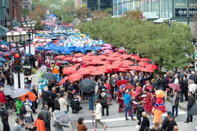 Marche aux 1000 parapluies